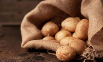 10 Популярних продуктів харчування, які колись вважалися непридатними для вживання в їжу
