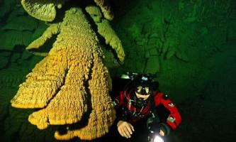 Пекельні дзвони в підводній печері сапоте, мексика