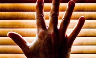 Бактерії, що живуть на руках людини, можуть допомогти у встановленні його особи