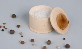 Що відбувається, коли ми їмо занадто багато солі?