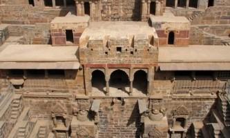 Чудо східної архітектури - колодязь чанд баорі (chand baori)