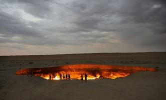 На дні 40 років палаючого в туркменії кратера знайдена життя