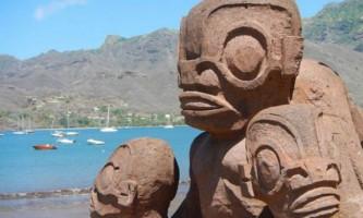 Дивовижні статуї острова нуку-хіва