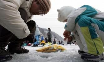 Фестиваль підлідної риболовлі в південній корее