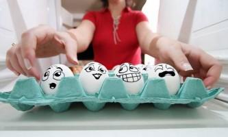 Чому курячі яйця овальної форми