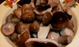 Як швидко замаринувати білі гриби