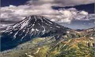 На камчатці вулкан коряцький почав проявляти активність