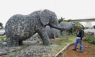 Кам`яні слони андріса бота (andries botha)