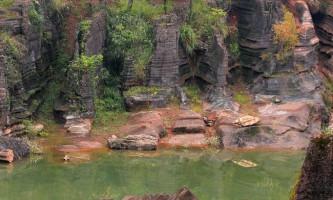 Червоний кам`яний ліс шилін