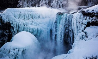 Ніагарський водоспад частково замерз вдруге за 2014 рік
