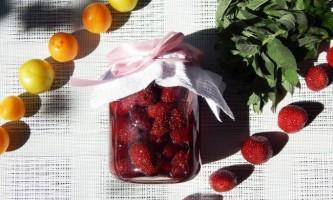 Варення з полуниці у власному соку.