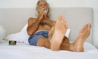 Куріння до сніданку вбиває триразово