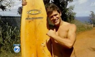 Навички боксера врятували життя серферу в сутичці з акулою