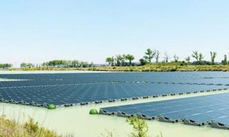 Перша плавуча сонячна електростанція в великобританії