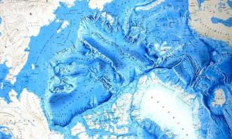 Чому арктика тепліше антарктики?