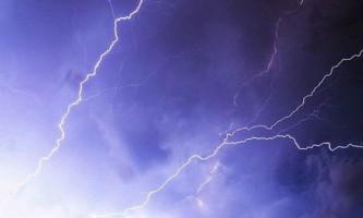 Наслідки удару блискавкою - жахливі і не дуже