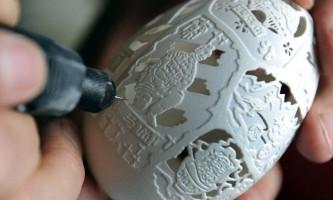 Різьба по яєчній шкаралупі китайським майстром вень фулянь