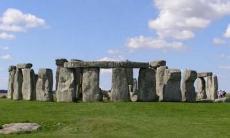 Теплі джерела послужили причиною будівництва стоунхенджа, стверджують вчені