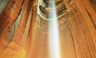 Рубі фоллс (ruby falls) - чудовий підземний водоспад, сша