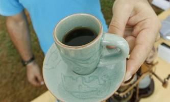 Синє світло впливає на розумові здібності людини сильніше кофеїну