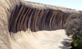 Скала хвиля (wave rock) в місті перт, австралія