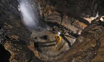 Спелеологи виявили недосліджені печери під північній англії