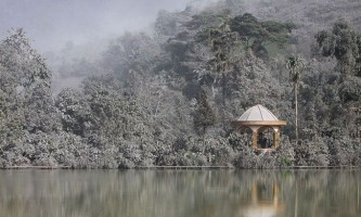 Суматра опинилася під шаром вулканічного попелу