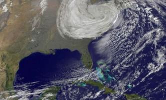 Ураган сенді обрушився на східне узбережжя сша