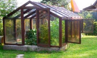 Установка дерев`яної теплиці на дачі, поради та рекомендації