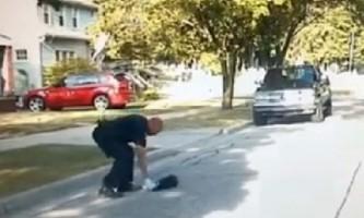 В сша поліція виклала ролик про порятунок застряглого скунса