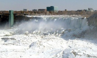 В сша вперше за сто років замерз ніагарський водоспад