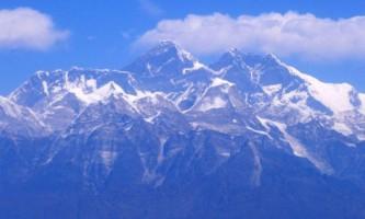 Влада непалу б`ють на сполох: на евересті занадто багато фекалій і сечі