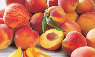 Всього двох-трьох персиків в день достатньо, щоб перемогти рак грудей