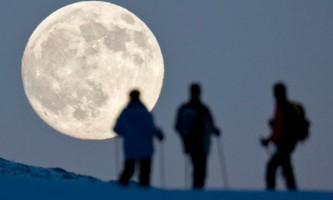 Зимове сонцестояння і місячне затемнення
